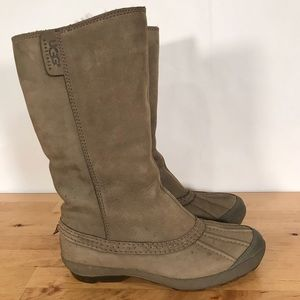 UGG Belfair Nubuck Leather Waterproof Duck Boots